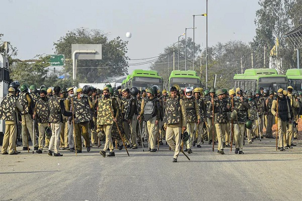 7663Chakka Jam 50 thousand security forces deployed in Delhi NCR Red Fort becomes Cantonment 12 metro stations on alert