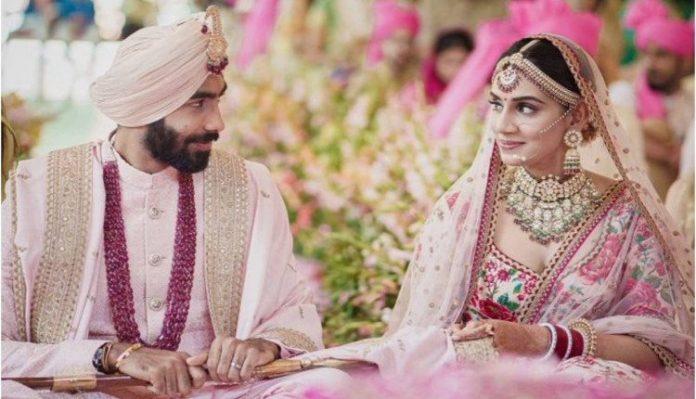 Jasprit Bumrah Married Sanjana Ganesan In Ga With Sikh in