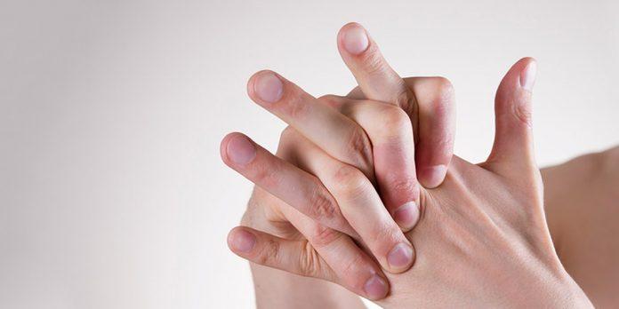 easy ways to get rid of swollen fingers in winters tips